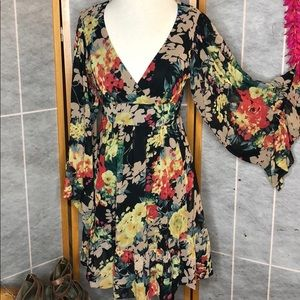 Flash Sale!!Betsey Johnson Dress price is firm!!!